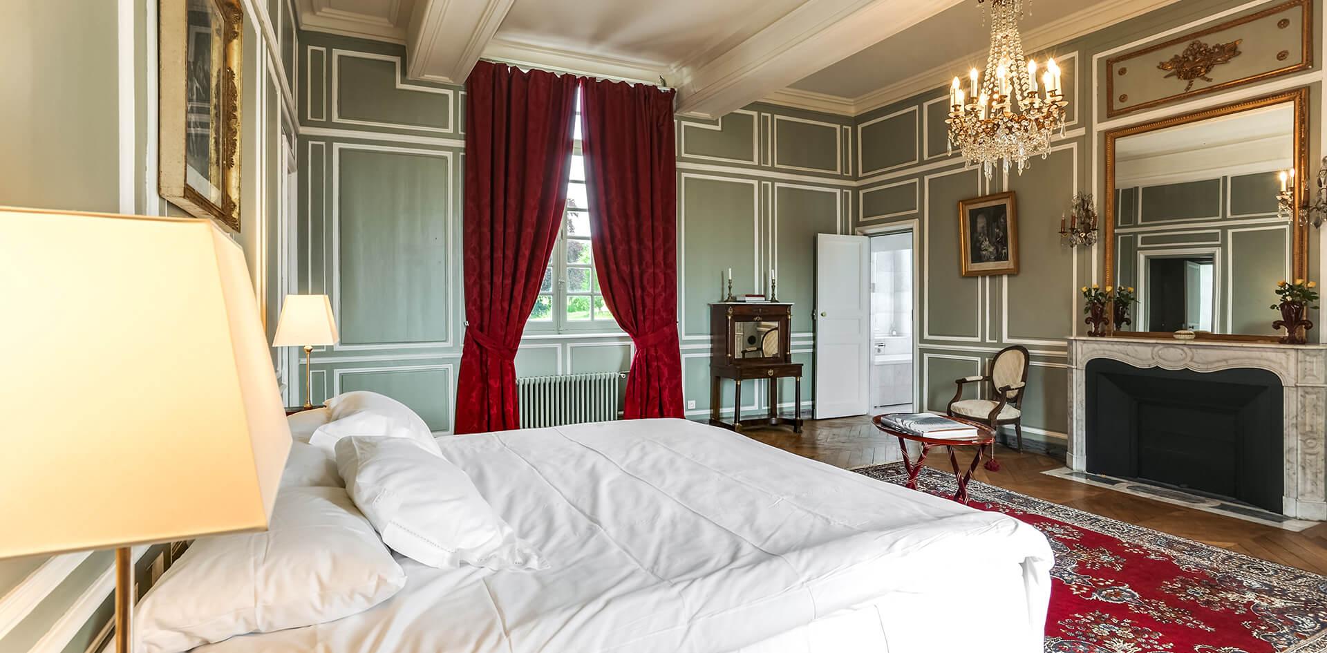 Suite luxieuse avec un lit king size